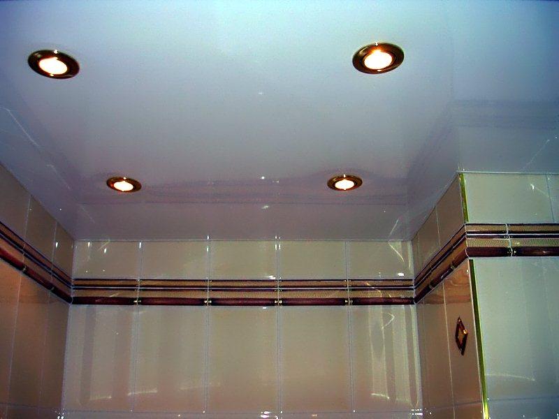 Пример ремонта потолка в ванной