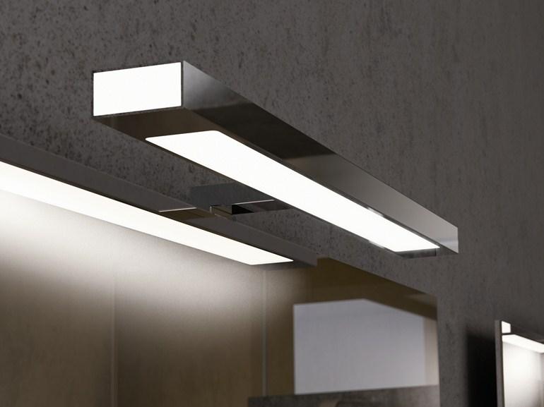 Пример светильника над зеркалом в ванной