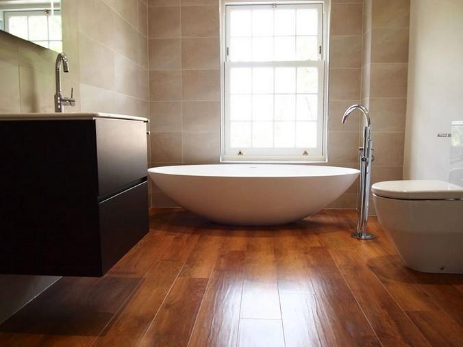 пол ламинат в ванной